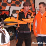KTM's Jeff Leisk is on hand this weekend, spotted chatting with Greg Simmonds.