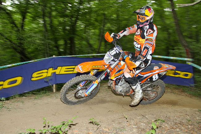 Antoine Meo leads the E1 championship standings after five rounds.
