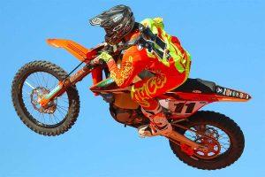 High-speed Finke crash denies Simpson of factory KTM debut