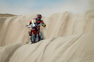 Stage five win places Barreda back in Dakar contention