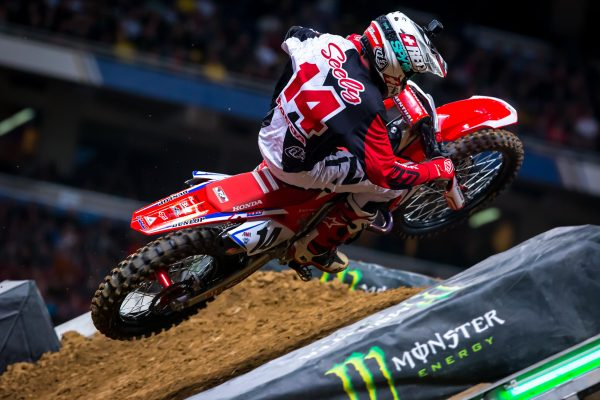 Honda HRC renews contract with Seely for 2019 season